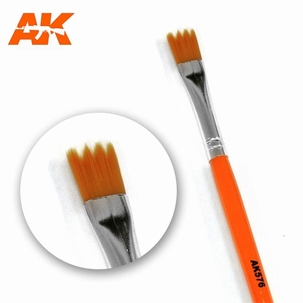 AK Saw Shape Synthetic Brush